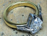 Pear Shaped Diamond in 18ct gold